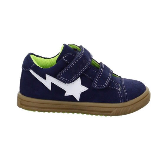 velcro-shoes-for-kids-with-a-star-on-the-side